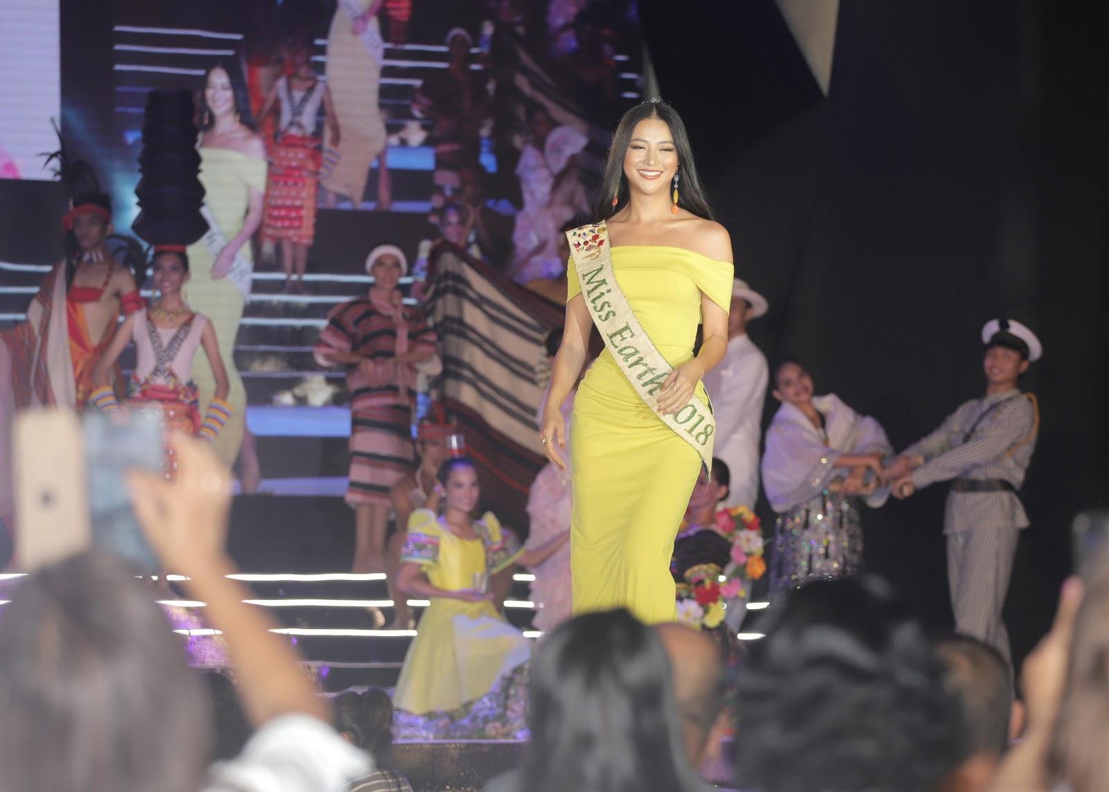 Xuất hiện cực thần thái tại Miss Earth, Phương Khánh khiến ai ai cũng phải đứng hình - Hình 1