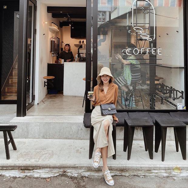 5 mẫu áo sơ mi đang chiếm sóng Thu 2019, mau tậu gấp để nâng level phong cách thôi các nàng công sở! - Hình 8