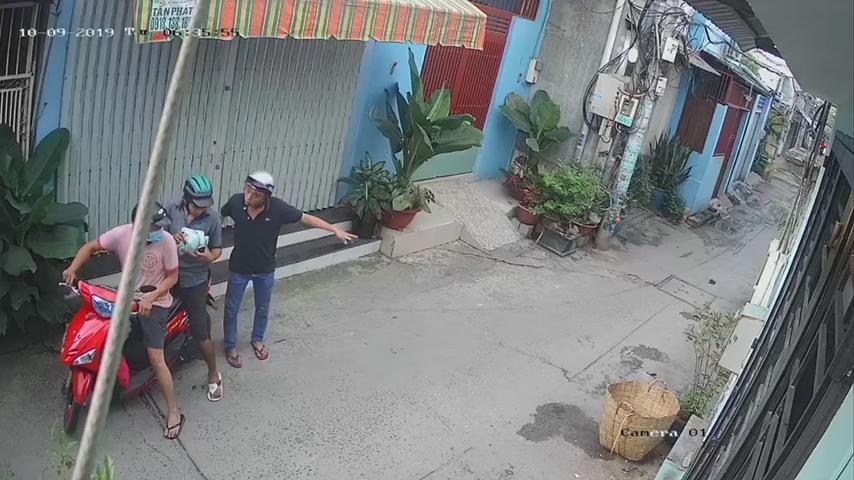 Bắt nhóm cướp giật túi xách bên trong có giấy báo tử - Hình 1