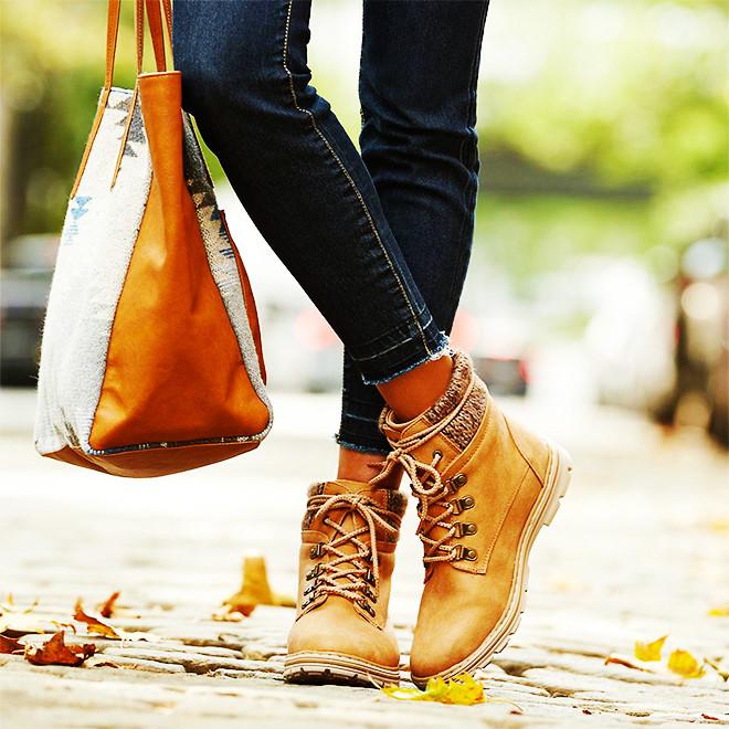 Mua ngay 5 kiểu boots giúp bạn lên đời phong cách khi trời lạnh - Hình 22