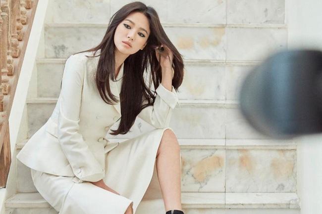 Song Hye Kyo tự cứu mình khi trở thành nạn nhân bạo lực mạng xã hội, kiện 15 người và khiến 2 người phải hầu tòa vì tội danh phỉ báng - Hình 1