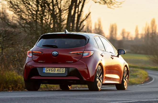 Thêm an toàn và tiện nghi, Toyota Corolla 2020 khởi điểm từ 15.843 USD - Hình 2