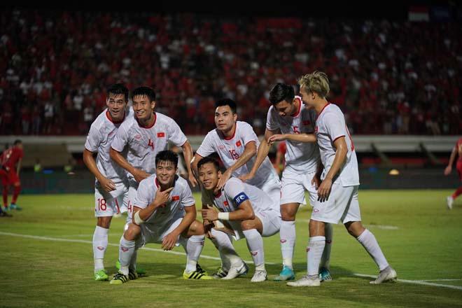 ĐT Việt Nam thắng Indonesia: Thăng tiến BXH FIFA, vượt đội bóng châu Âu - Hình 1