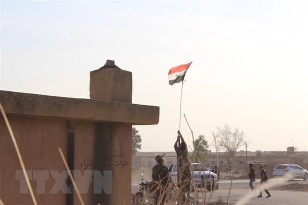 Quân đội Syria giành quyền kiểm soát các căn cứ quân sự Mỹ bỏ lại - Hình 1