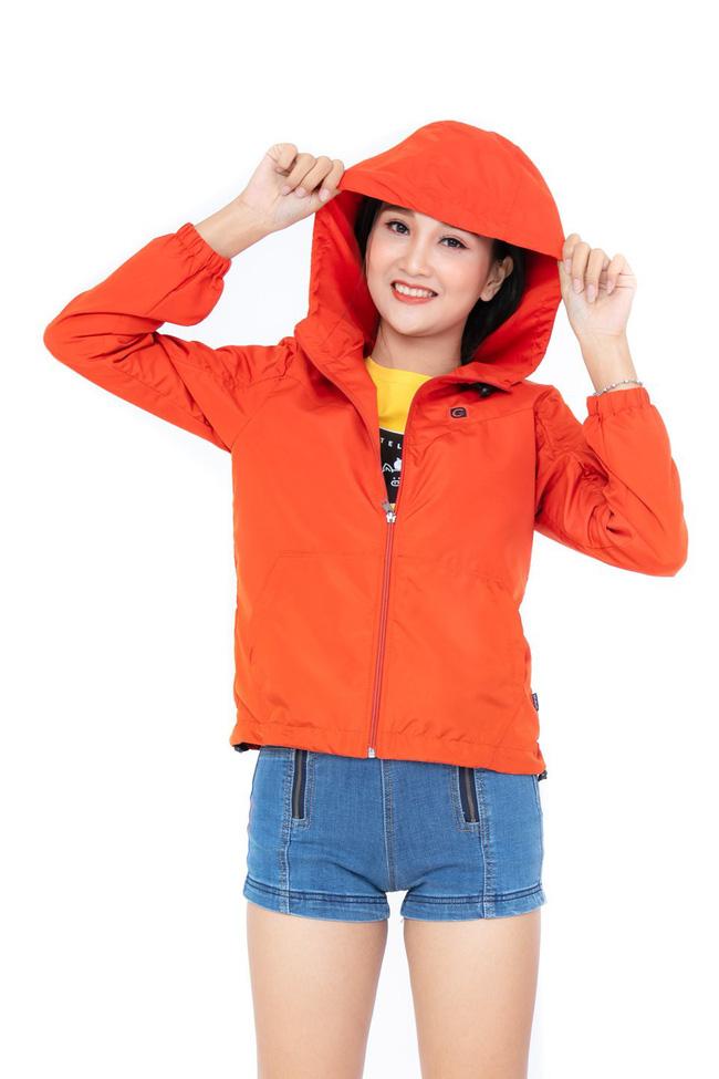 Áo khoác mỏng, nhẹ và biết thở chính là món đồ đáng đầu tư nhất khi trời gió mùa về - Hình 4