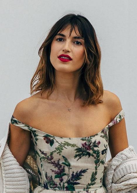 5 kiểu tóc làm nên vẻ ngoài quyến rũ của phụ nữ Pháp, có kiểu nhìn rũ rượi mà hút mắt đến lạ - Hình 3