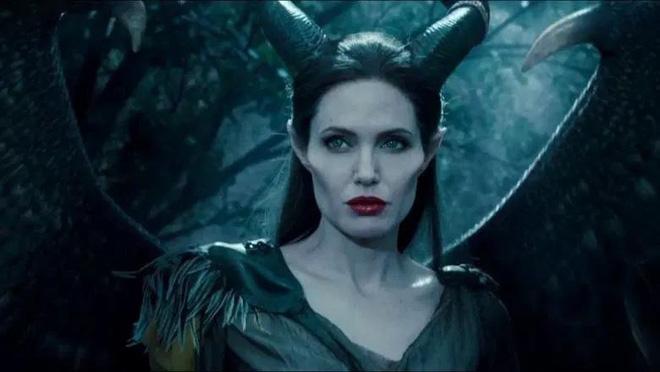 Giả thuyết Maleficent quyền lực cũng là một nạn nhân của căn bệnh trầm cảm? - Hình 1