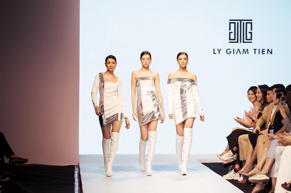 Thuý Vân, Hương Ly nổi bật trong show thời trang HH Hoàn vũ VN 2019 - Hình 1
