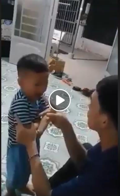 Phẫn nộ người cha nhậu say sĩn, liên tục tát vào mặt con nhỏ 2 tuổi: Để tao giết nó cho mày coi - Hình 1