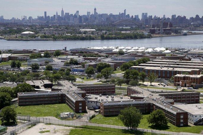 Báo cáo vi phạm liên tục, nhà tù lớn nhất thế giới tại New York đóng cửa - Hình 1