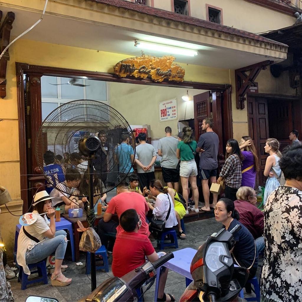 Đi tìm 5 quán phở đông khách bậc nhất ở Hà Nội - Hình 2