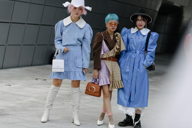 Giới trẻ Hàn Quốc không ngại diện đồ loè loẹt, khó hiểu xuống phố - Hình 6