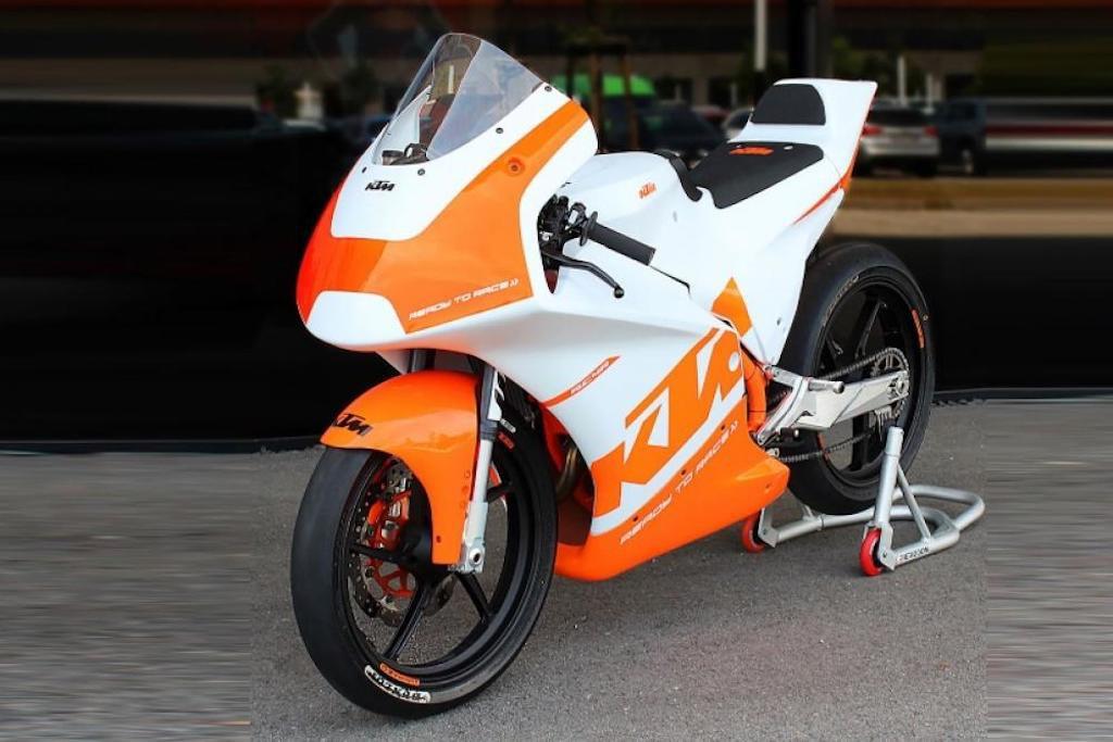 KTM ươm mầm tài năng MotoGP tương lai, ra mắt xe đua RC4R - Hình 2