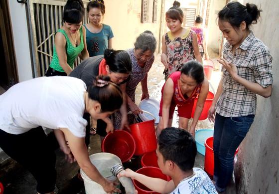 Lập 3 đoàn lưu động xét nghiệm nước tại 6 quận huyện ở Hà Nội - Hình 1