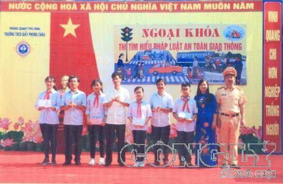 Phù Ninh (Phú Thọ): Nâng cao chất lượng giáo dục, tăng cường tuyên truyền phổ biến giáo dục về ATGT - Hình 2
