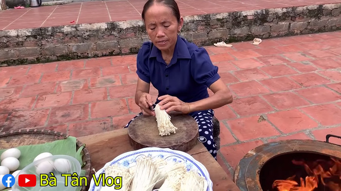 Sau bão chỉ trích, Vlog mới của Bà Tân đã sạch bóng quảng cáo và không còn siêu to khổng lồ - Hình 2