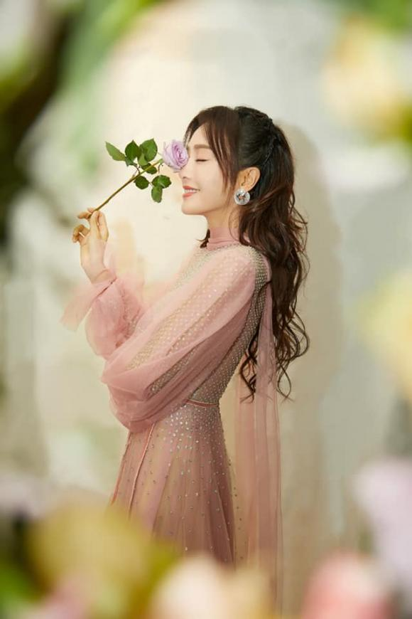 Thoát vai Phú Sát Hoàng hậu, Tần Lam hóa thân thành công chúa tóc mây gây thương nhớ - Hình 2