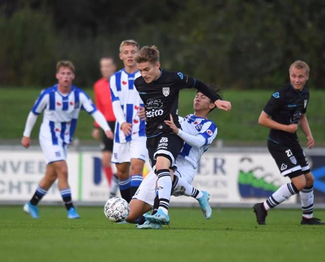 Văn Hậu có thể sớm ra mắt đội một Heerenveen - Hình 1
