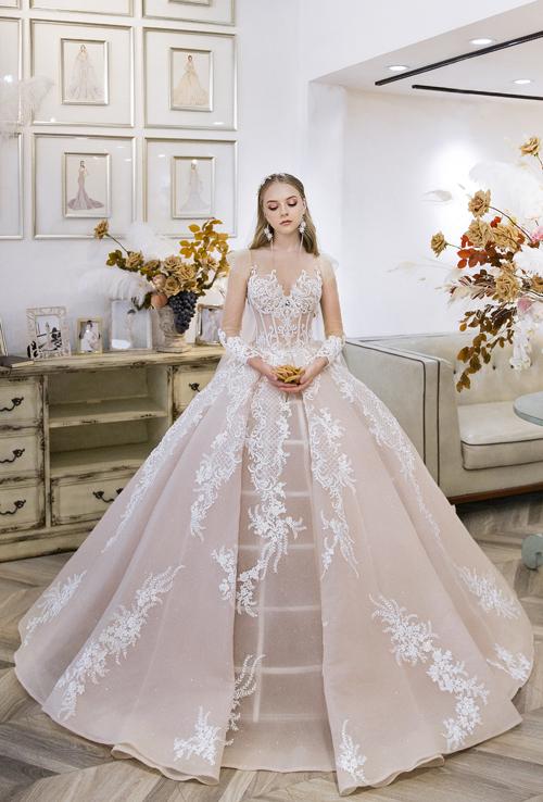 Váy cưới lấy cảm hứng thời trang Pháp - Hình 3