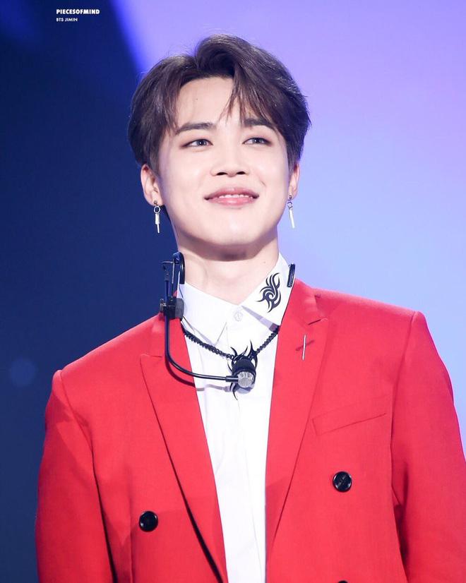 BXH idol nam hot nhất: Sau thời gian dài bị bỏ xa, Baekhyun (EXO) cuối cùng đã đọ lại được đối thủ BTS, nhưng vẫn thua 1 mỹ nam - Hình 1