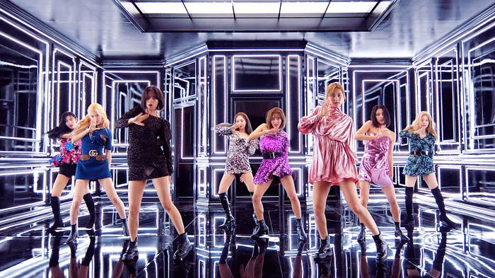 Chỉ sau một ngày phát hành, Fake & True của Twice leo thẳng top 1 BXH âm nhạc xứ hoa Anh Đào - Hình 1
