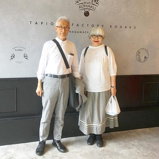 Cặp vợ chồng già Nhật Bản thành hiện tượng mạng vì luôn diện đồ đôi - Hình 7