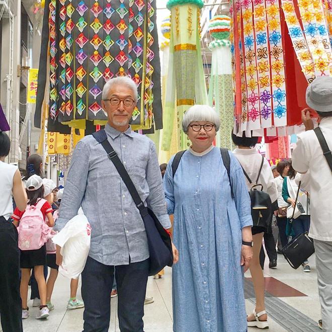 Cặp vợ chồng già Nhật Bản thành hiện tượng mạng vì luôn diện đồ đôi - Hình 3