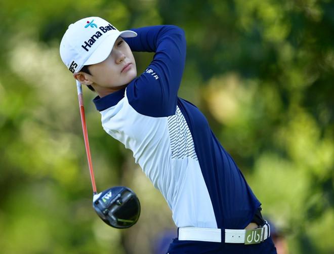 Nữ golf thủ nổi tiếng vì vẻ ngoài phi giới tính, đẹp như mỹ nam - Hình 1