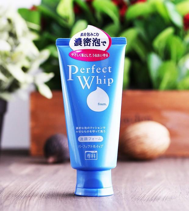 10 món skincare mà phụ nữ Nhật yêu thích, giá chỉ từ 125.000 VNĐ mà giúp da đẹp lên trông thấy - Hình 2