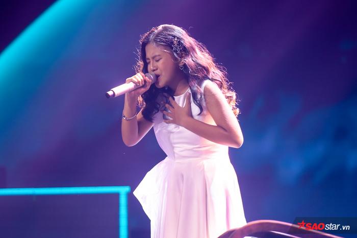 Hương Giang chơi lớn tự viết lại lời siêu hit ADODDA giúp trò cưng Bảo Hân lấy nước mắt fan The Voice Kids - Hình 2