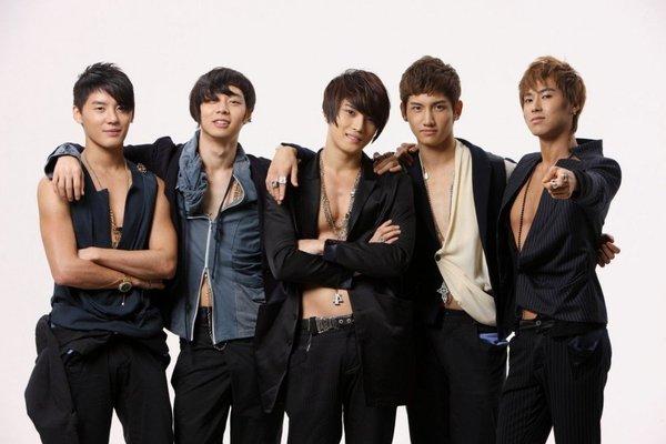 Netizen Hàn gọi tên hit quốc dân và hit quốc tế của các nhóm nhạc thần tượng nam nổi tiếng - Hình 3