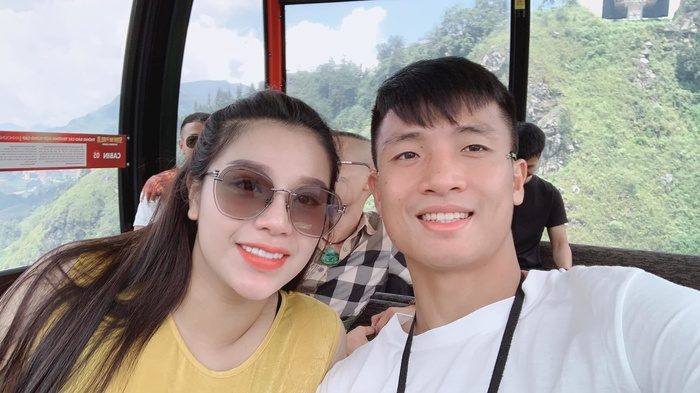 Chồng bị HLV Thái Lan nói xấu, vợ Bùi Tiến Dũng đáp cực gắt - Hình 1