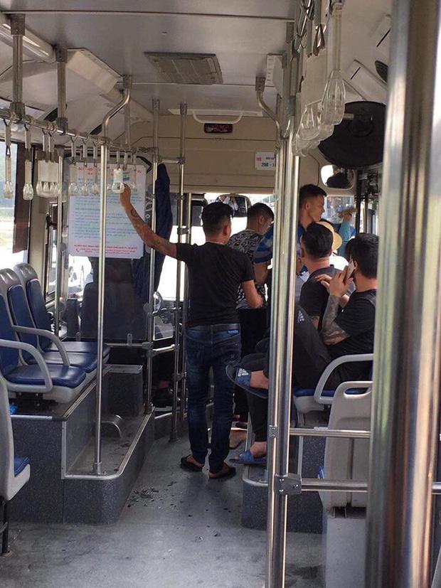 Đã xác định được nhóm thanh niên xăm trổ hành hung nữ phụ xe buýt đúng ngày 20/10 rồi đưa 1 triệu để nạn nhân mua thuốc - Hình 2