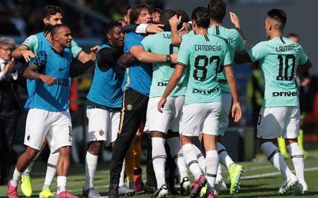 Đánh bại Sassuolo, Inter Milan vẫn để lộ tử huyệt nơi hàng thủ - Hình 1
