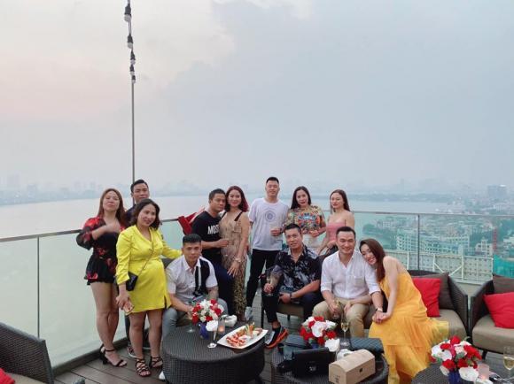 Diễn viên Chi Bảo gọi bạn gái mới là my love, sao Việt và bạn bè gửi lời chúc mừng - Hình 2