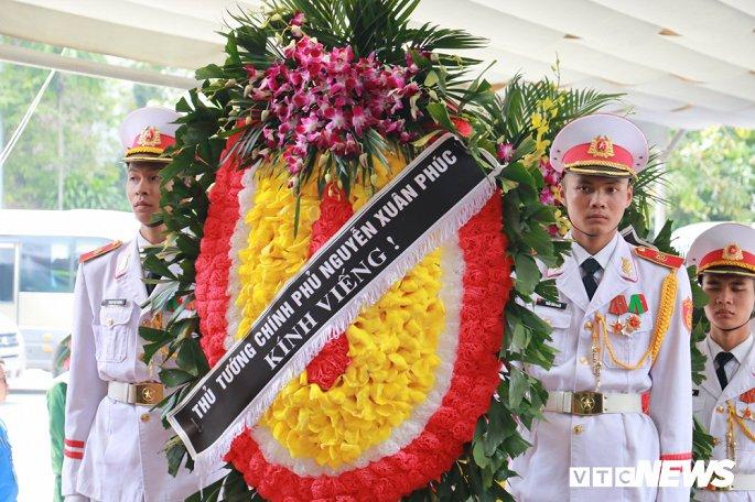 Dòng người thương tiếc tiễn biệt Thứ trưởng Bộ GD&ĐT Lê Hải An - Hình 2