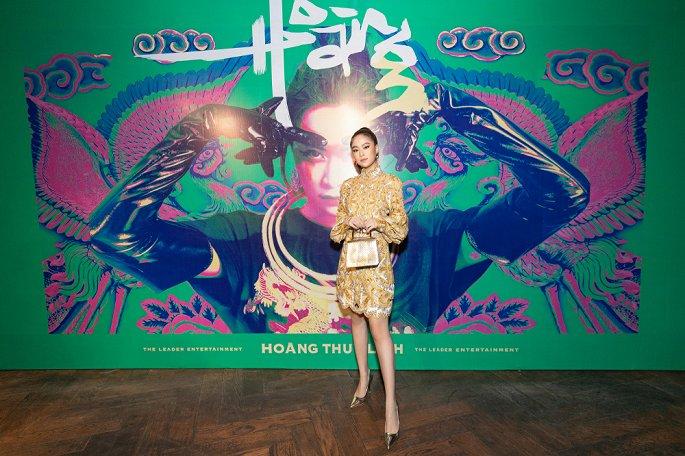 Giữa loạt ồn ào tình cảm, Hoàng Thùy Linh gây sốt với album kể chuyện độc thân - Hình 1