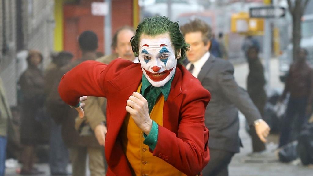 'Joker' đang cán mốc phim nhãn R có doanh thu cao nhất mọi thời đại - Hình 2