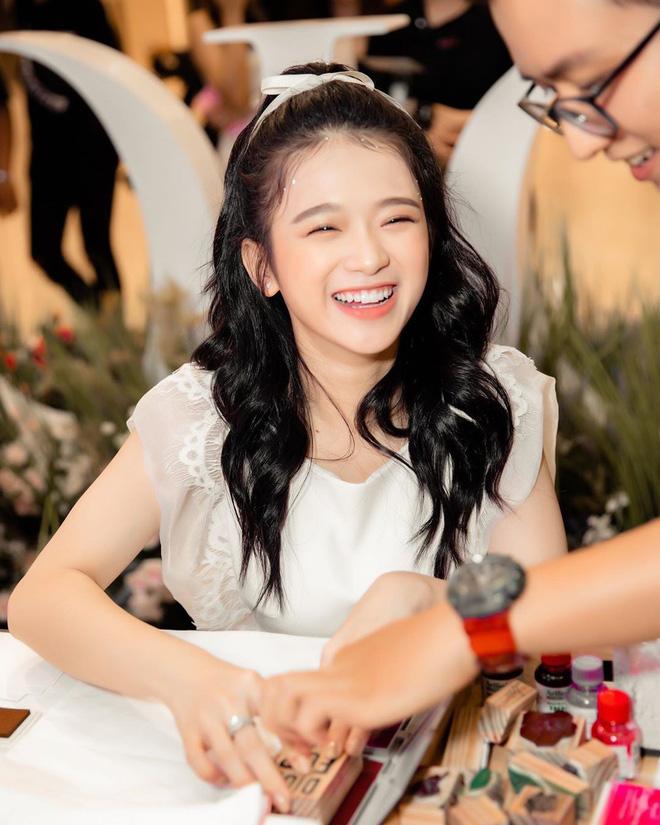 Linh Ka đạt 1 triệu người theo dõi trên Instagram, chính thức ra nhập club triệu follow cùng Chi Pu, Châu Bùi, Trang Lou - Hình 1