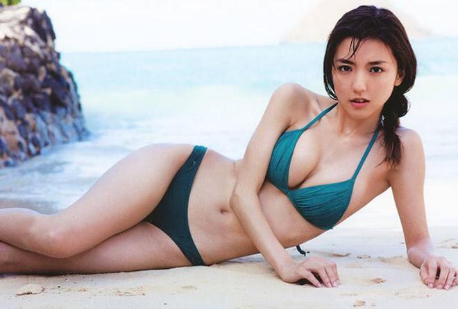 Người yêu cầu thủ Nhật quá đẹp, trái ngược bạn trai - Hình 2
