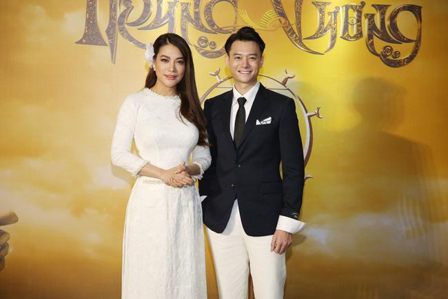 Trương Ngọc Ánh làm phim về Trưng Trắc - Trưng Nhị, ngày ra mắt tình trẻ Anh Dũng sánh đôi không rời - Hình 2