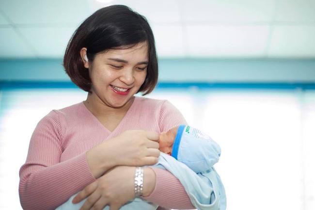 Cứ nghĩ sinh xong khỏe re nên không kiêng cữ, Chị Kính Hồng bị nôn thốc tháo và đây là những bài học cho các mẹ sau sinh - Hình 1