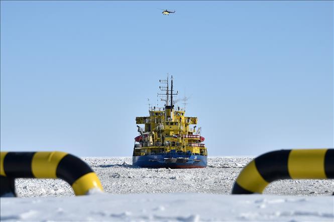 Động cơ tàu phá băng Nga phát tín hiệu cấp cứu đã hoạt động trở lại - Hình 1