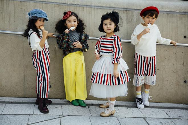 Fashionista nhí mặc đồ màu sắc, tạo dáng không thua kém người mẫu - Hình 9