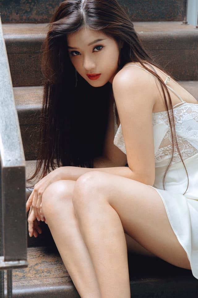 Hoàng Yến Chibi ngày càng quyến rũ với phong cách thời trang thiếu vải - Hình 2