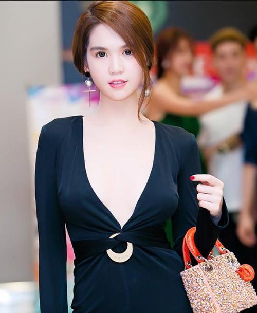 Sao Việt đua nhau khoe vòng 1 với váy áo khoét sâu bất tận - Hình 7