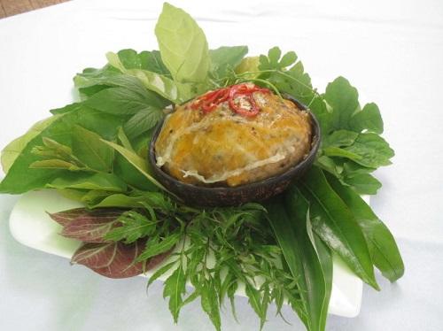Thưởng thức mắm đùm hấp gáo dừa đặc sản miền Tây - Hình 2