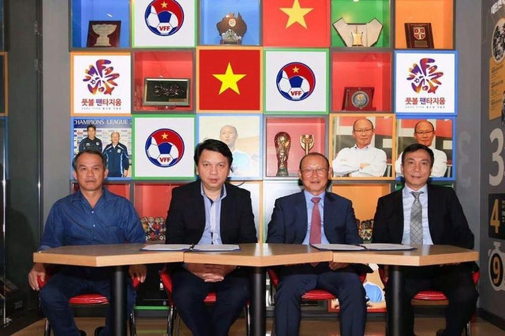 VFF sẽ ký hợp đồng với HLV Park Hang Seo vào đúng ngày quan trọng này trong tháng 11? - Hình 1