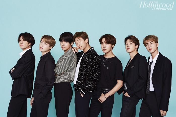 BXH World Album trên Billboard tuần này: SuperM giữ vững phong độ ngôi quán quân, BTS vẫn tung hoàn chiếm ưu thế - Hình 2