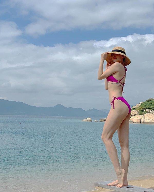 Đăng ảnh check-in đảo thiên đường, Tóc Tiên khiến fans thích thú vì thân hình đẹp đỉnh - Hình 2